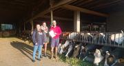 Marie Bovagne et Anaïs Demolis étudiantes en BTS ACSE à l'Iseta Poisy ont participé au concours prairies organisé par le Gnis.