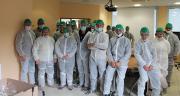 Une cinquantaine d'éleveurs ont visité le site industriel Elivia du Lion d'Angers le 7 octobre. Photo: Terrena.