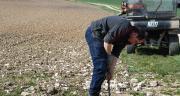 Le SSV Kioti est très utile aux éleveurs du Gaec des Brillères pour installer et reprendre des clôtures entre autres. Photo : S. Billaud/Pixel image