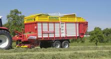 La remorque Europrofi permet d'opter pour l'affouragement en vert, le séchage en grange ou l'ensilage.