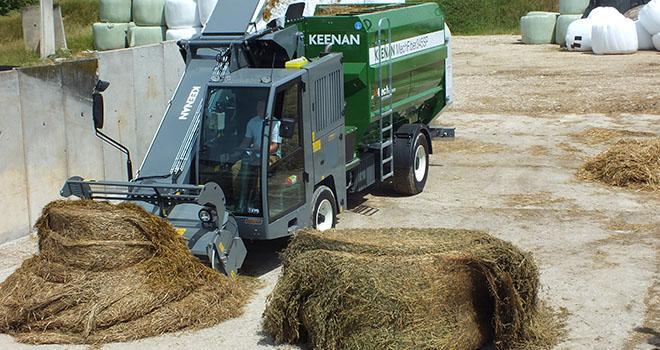 La nouvelle mélangeuse distributrice MécaFibre SP de Keenan se caractérise par sa grande vitesse de chargement. Photo : A.Humbertclaude/La Vie Agricole de la Meuse