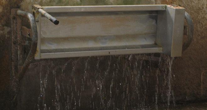 La qualité de l'eau détermine aussi la quantité d'eau bue par les bovins. Être en mesure de nettoyer les abreuvoir est donc essentiel.