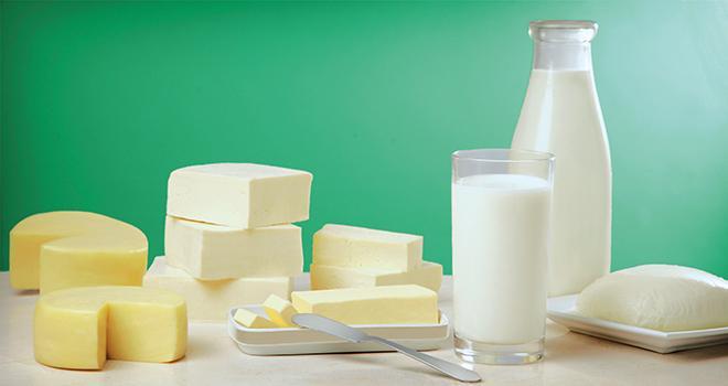Selon FranceAgriMer, la consommation de produits laitiers bio a explosé depuis six ans, et le prix du beurre à l'export est plus rémunérateur qu'en France. © Pinoquio 9 / Fotolia