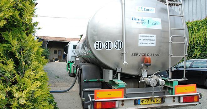 La collecte du lait ainsi que sa transformation peuvent désormais reprendre ! ©N.Tiers/Pixel6TM