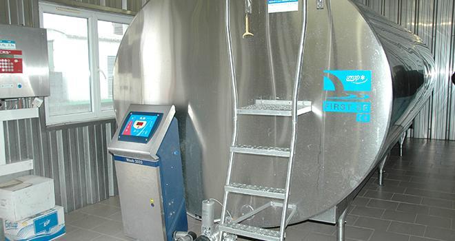 « Le dynamisme de la demande devrait induire une hausse du prix du lait », croit savoir le Cniel. Photo : H. Grare / Pixel Image