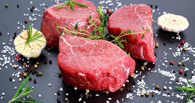 La viande bio séduit surtout les plus de 50 ans. ©grinchh/AdobeStock