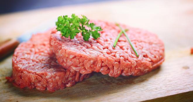 La proposition de loi relative à la transparence de l'information sur les produits alimentaires interdit désormais les dénominations animales pour les produits à base de protéines végétales. CP : Guy/Adobe Stock