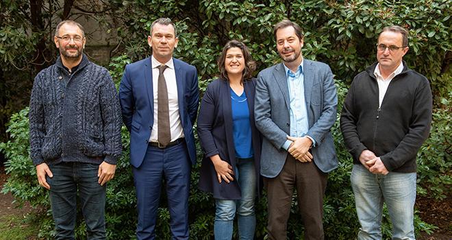 De gauche à droite : Hervé Coursimault, vice-président de l'APBO, Thierry Cotillard, président d'Intermarché et Netto, Anne-Laure Dutertre, vice-présidente de l'APBO, Antoine Fievet, PDG du groupe Bel et Gilles Pousse, président de l'APBO.