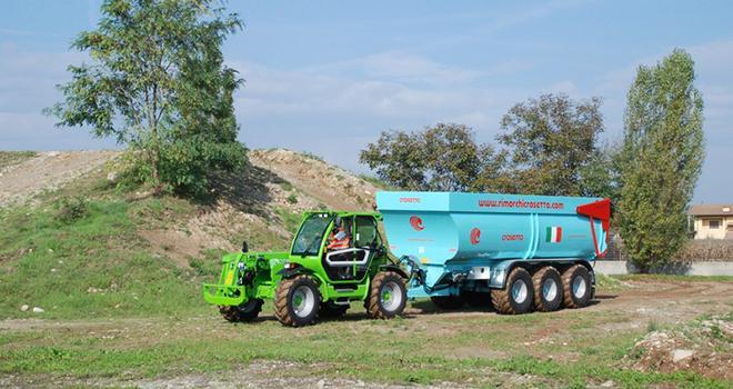 Vingt modèles sont disponibles avec des charges allant de 3 800 kg à 4 200 kg, et des hauteurs de levage de 7 à 10 mètres. Photo : Simon Billaud