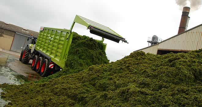L'usine de déshydratation de Saint-Remy-sur-Bussy (Marne) teste actuellement une autochargeuse. Crédit photo : M. Lecourtier/Pixel image