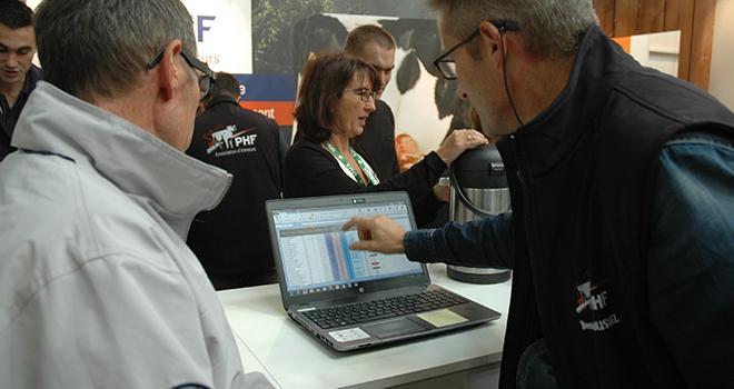 eCow était en démonstration sur le stand de Prim'Holstein France lors du Space où chaque éleveur adhérent pouvait tester le logiciel et repartir avec le classement économique des vaches de son troupeau. Photo : D. Bodiou/Pixel image