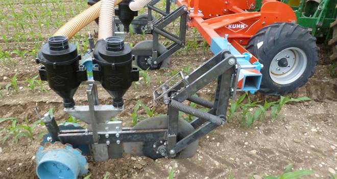L'outil inspiré de la méthode CULTAN permet de fertiliser le maïs un rang sur deux. Photo : DR